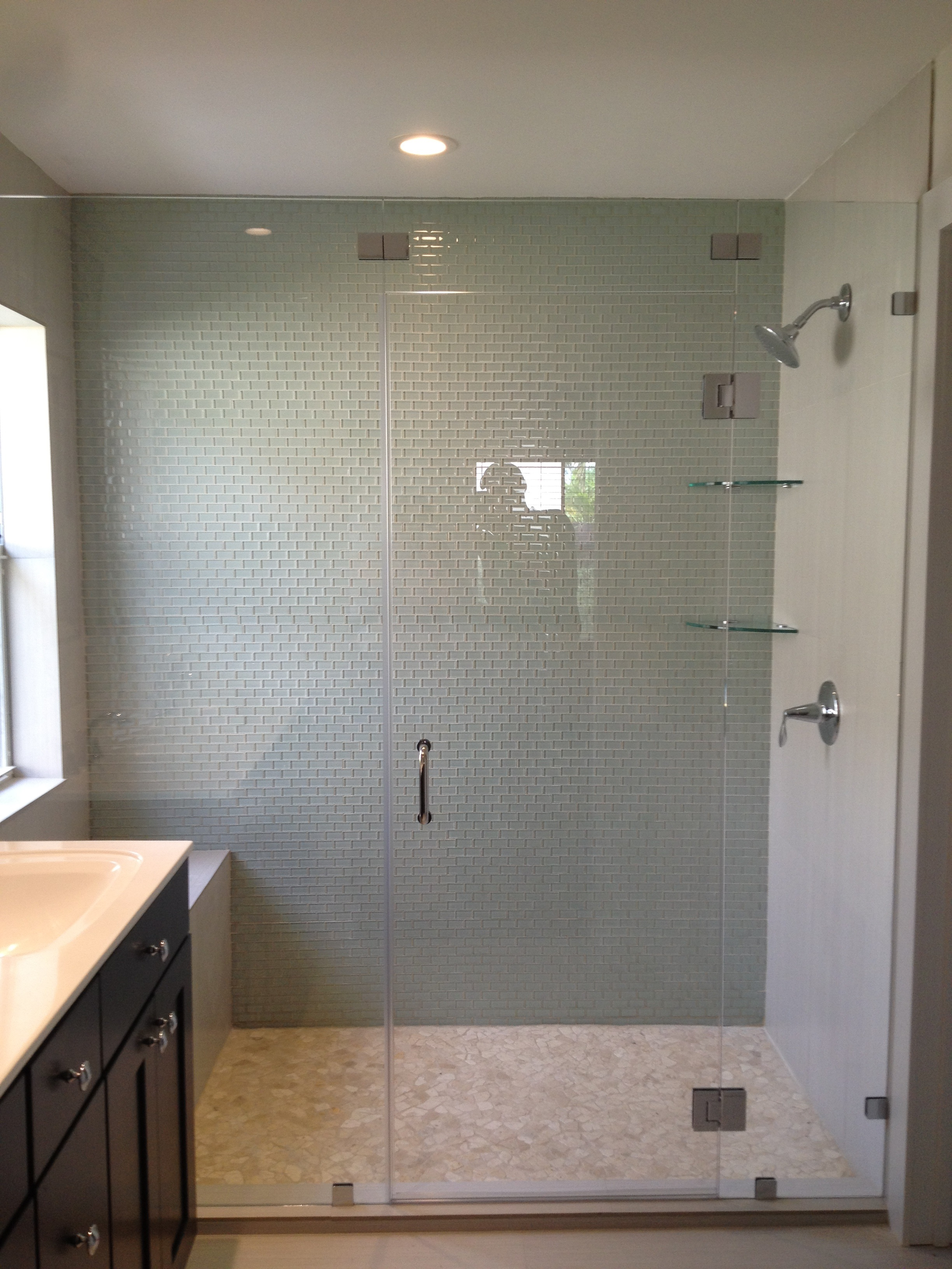 Framless Shower Glass Doors And Mirrors. Frameless Shower Door